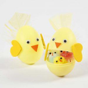 Påskeegg: Farget egg med surprise-element til påske