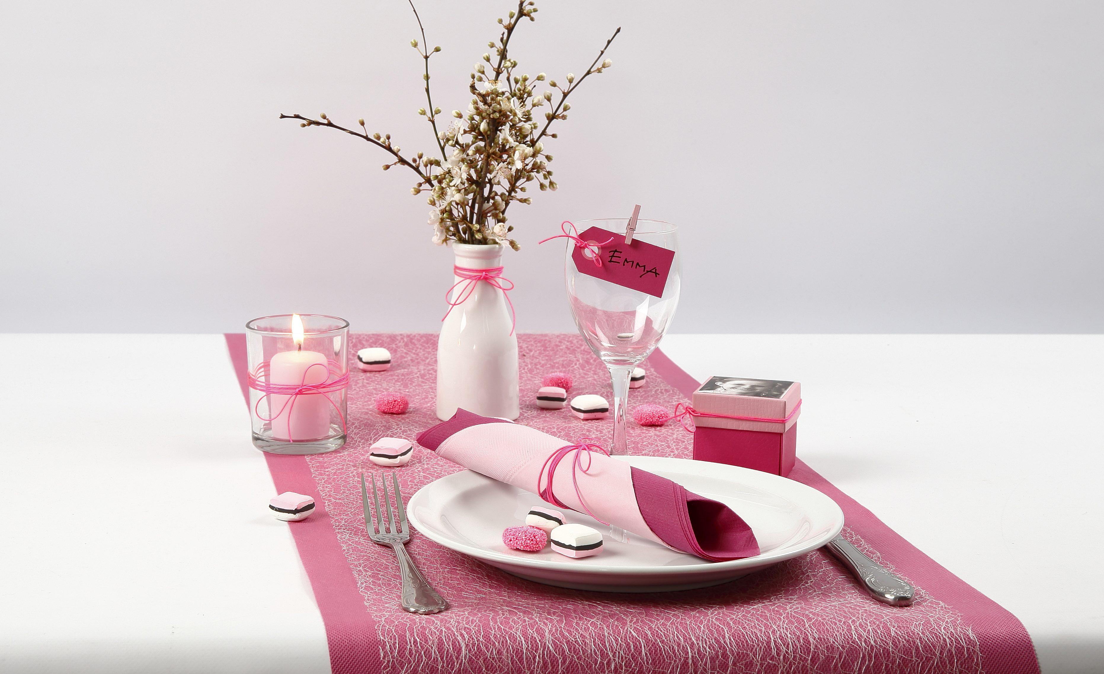 Konfirmation: Borddækning og bordpynt med lakridskonfekt af Silk Clay