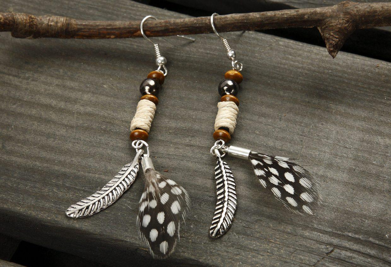 DIY smykkefremstilling lag selv smykker øreringer på perlestav