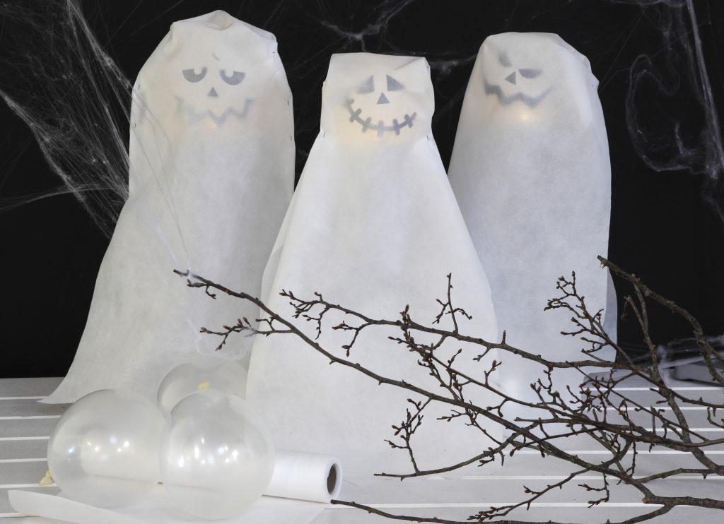 Kreativ halloween lag selv pynt med lysende spøkelser