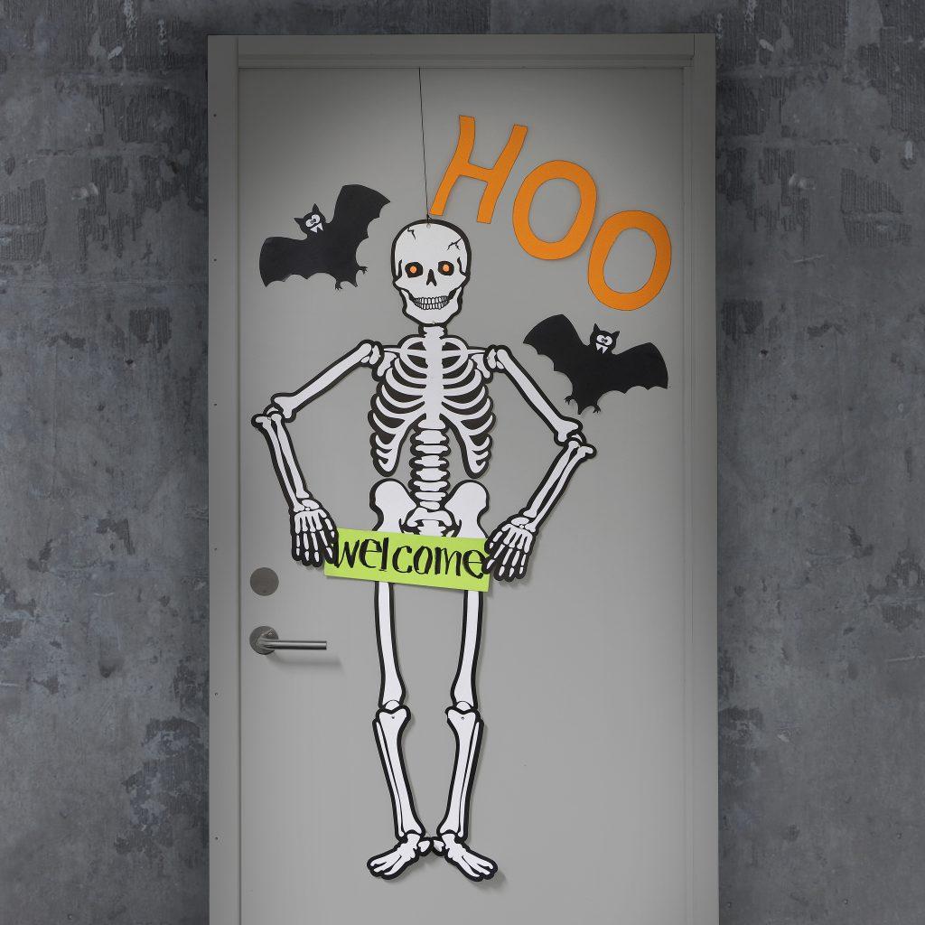 Kreativ halloween lav selv pynt med selvlysende spøgelse