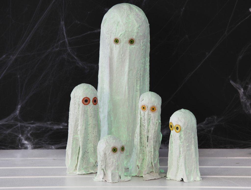 Kreativ halloween lav selv pynt med spøgelser