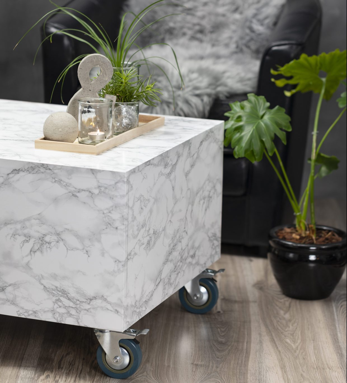 Vær kreativ med selvklæbende folie og klæbefolie med marmor og granit