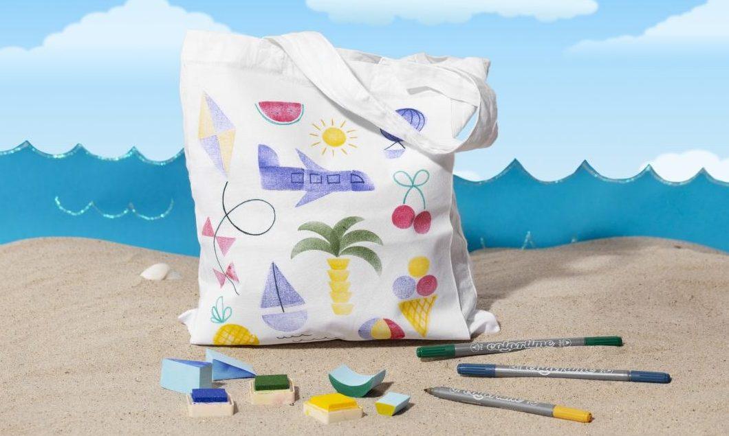 Morsom og kreativ ferie med barn - stempeltrykk på tekstil lag selv stoffpose
